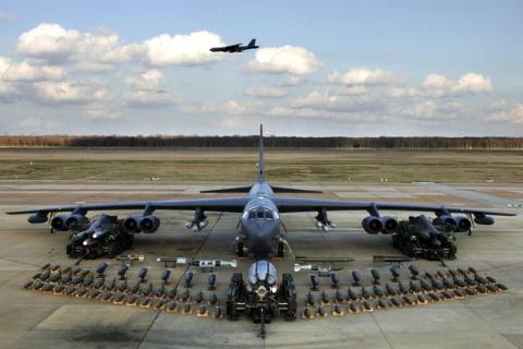 Американские В-52 разбомбят …