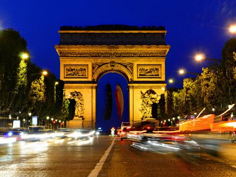 Триумфальная арка – величественная гордость французской архитектуры