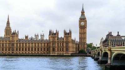 Опрос: британцы вряд ли прог…