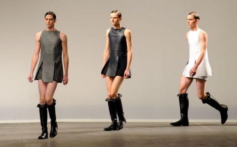 Теперь платья в моде не толь…