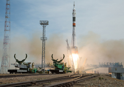 Фотографии со старта космического корабля «Союз МС-04»