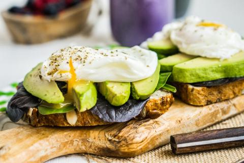 Самые полезные продукты, которые стоит съедать на завтрак
