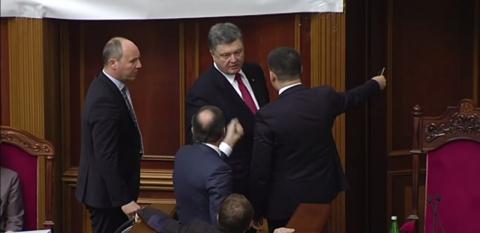 Олег Ляшко набросился на Петра Порошенко в Раде с обвинениями в предательстве «майдана» и Украины