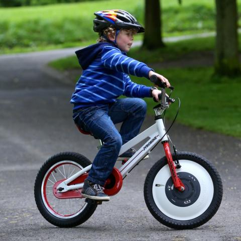 На Кикстартере собирают средства на производство велосипеда, который никогда не упадет и научит кататься ребенка
