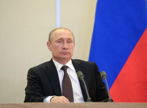 Путин продлил продовольствен…