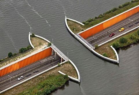 Необычный Акведук Велувемеер