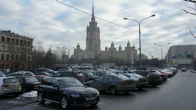 Тверскую улицу в Москве пере…