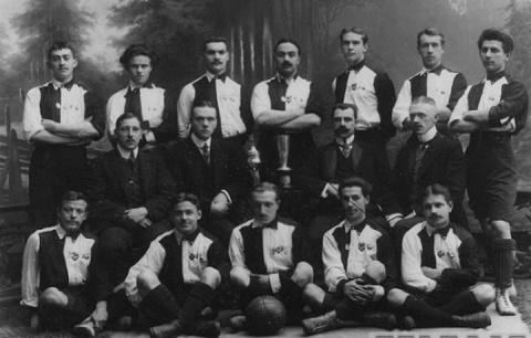 Первые футбольные клубы Росс…