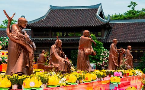 Крупнейший буддистский компл…
