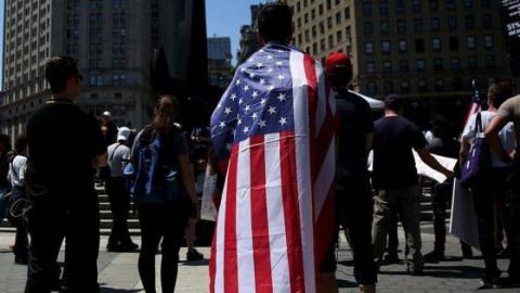 Мигранты Лос-Анджелеса вышли на митинг против Трампа