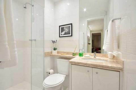 Интерьер маленькой ванной комнаты!