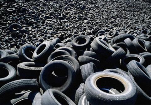 В России предложили делать дорожное покрытие из старых шин