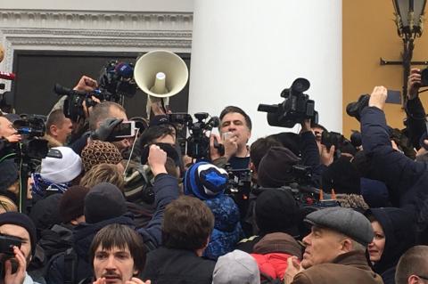 Саакашвили освободился и идет на Верховную Раду. Песков иронизирует