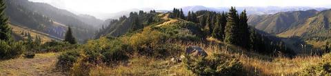 Слева ущелье Комиссаровское, справа ущелье Бутаковское
