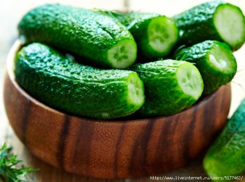 Как малосолить огурцы — вкусные и хрустящие