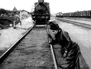 Почему роман Анны Карениной с «кобелём Вронским» вызывал омерзение у современников