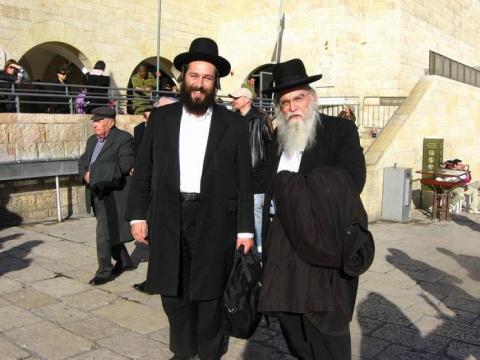 Два еврея решили стать казак…