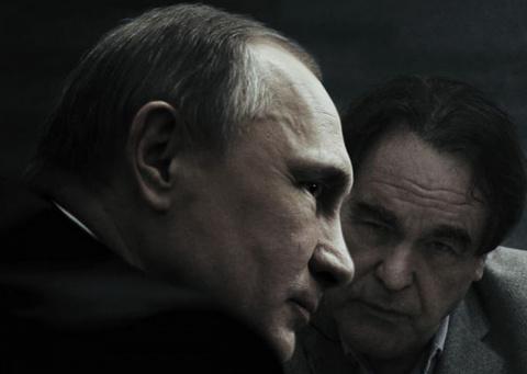Путин рассказал американскому режиссеру о воссоединении Крыма к Россией