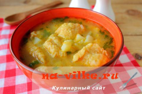 Суп с морковными клецками и манкой