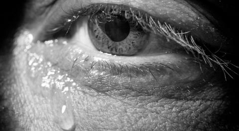 Разреши мужчине плакать