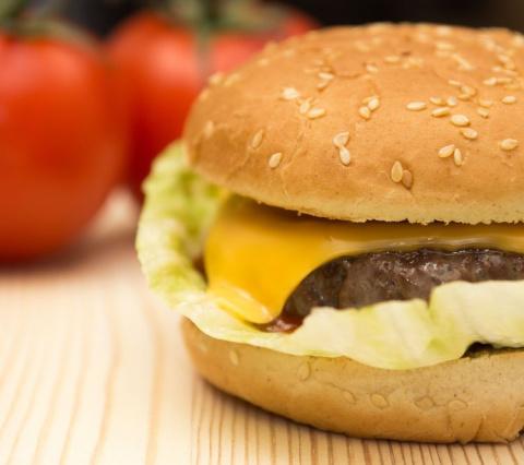Домашний чизбургер за 5 мину…