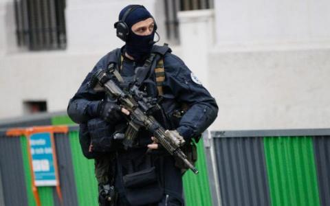 Во Франции вооруженные граби…