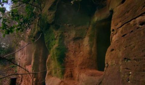 В этой пещере до 1940 года ж…