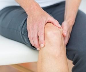 Доступные натуральные средства, которые устранят боль в коленях