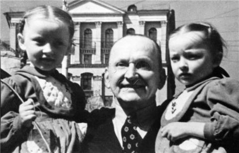 «Доченьки» Александра Вертинского: трогательное отцовское признание в любви
