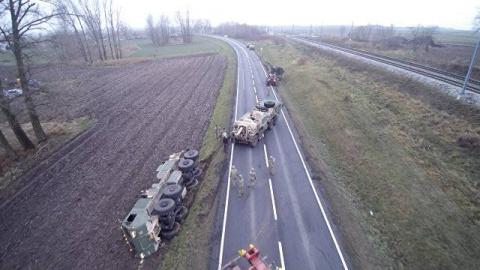 Дураки и дороги в Европе: техника США снова застряла на польской трассе