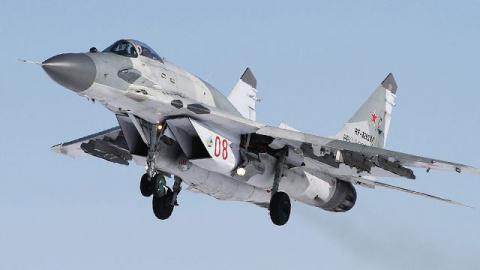Российские истребители МиГ-29 вступили в бой с нарушителями границы под Курском