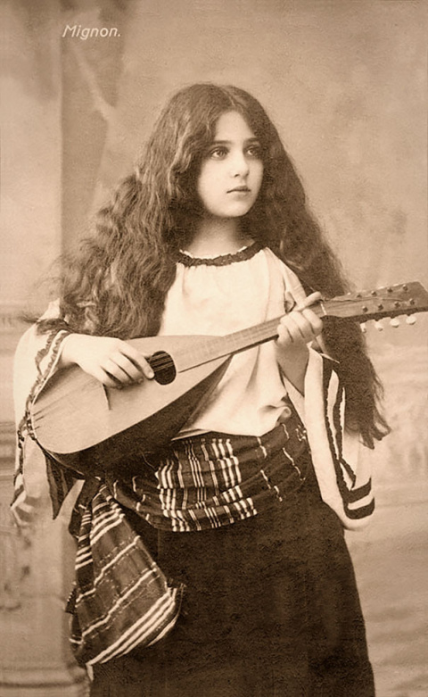 Красота женщин прошлого в винтажных открытках 1900-1910 годов