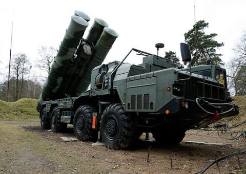 Зенитчики ЦВО в Поволжье получили полковой комплект ЗРС «С-400»