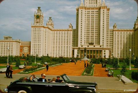 Москва 1956 года, глазами фр…