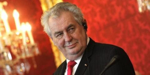 Земан предложил провести референдум о выходе Чехии из Евросоюза