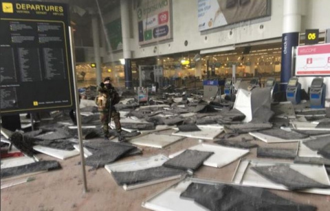 Развалинами Брюсселя удовлетворен