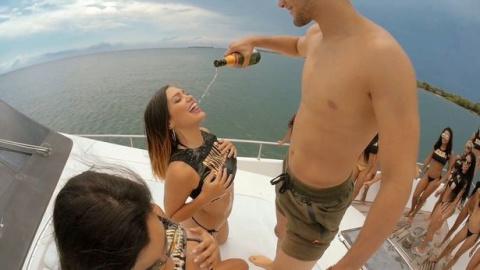 Море выпивки и разврата: в К…