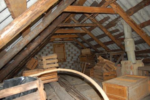 Превратите захламленный чердак в уютную мансарду: 15 лучших идей для ремонта