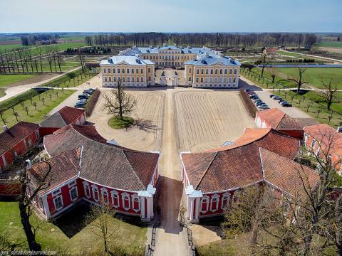 Латвия, Рундальский дворец.