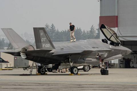 Эксперты: Летчикам F-35 по-п…