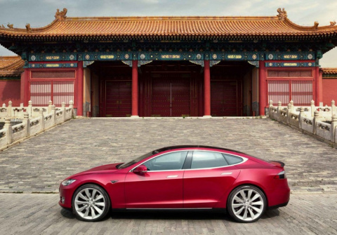 Tesla станет первым иностран…