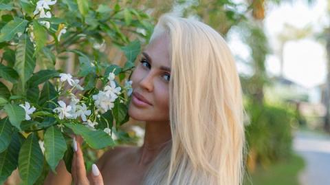 Супруга известного футболиста Мария Погребняк произвела фурор на пляжах в Эмиратах
