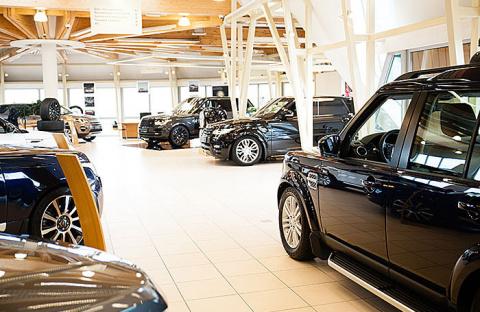 Урвать по старой цене: машины уже дорожают