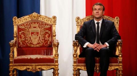 «Президент-мальчишка» Макрон схлестнётся с «Путиным Великим», пишет The Times