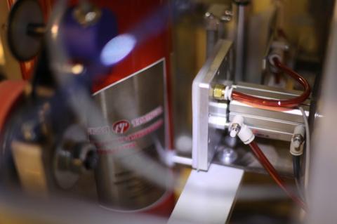 Санкт-Петербургский завод выпустил упаковочное оборудование с опцией пневмопереноса этикетки