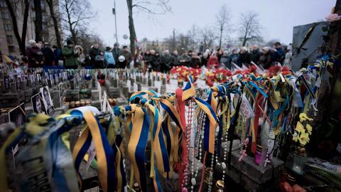 """Лёд тронулся: украинцам расскажут правду об убийстве """"небесной сотни"""""""
