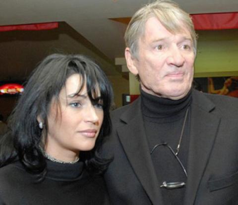 Вот как живется последней жене Александра Абдулова после смерти любимого мужа