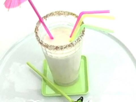 Молочный коктейль с кокосом