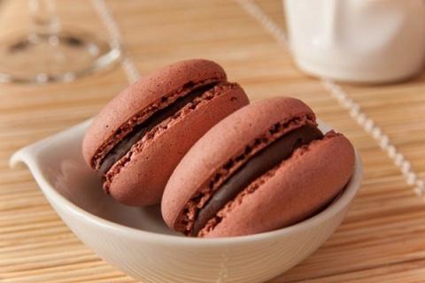 Миндальные макаруны с шокола…