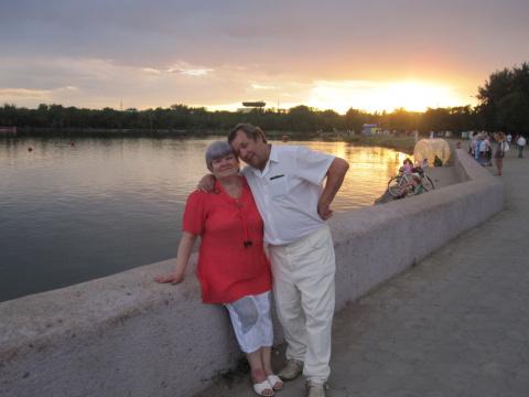 Я и мой муж в парке у озера 2011 год.